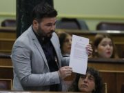 el diputado Rufián hizo su intervención increpando al ministro Zoido